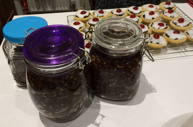 mince-pies-and-new-mincemeat-resized