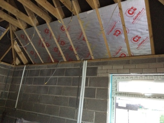 insulation-in-new-kitchen-roof-going-in