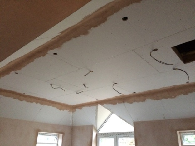 plaster-around-ceiling-in-new-kitchen