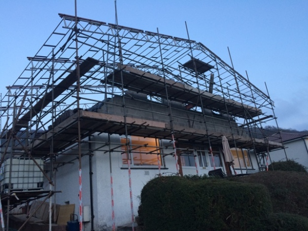new-scaffolding-going-up-to-cover-house-pic-2