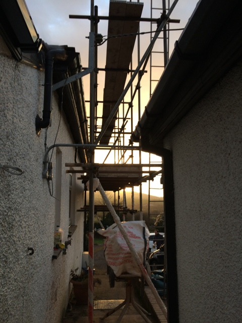 scaffolding-at-the-side