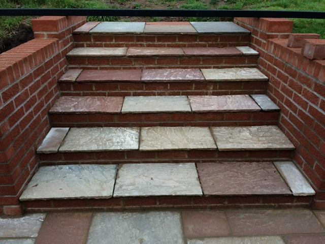 slabs-laid-on-steps-not-cemented-between-slabs-yet