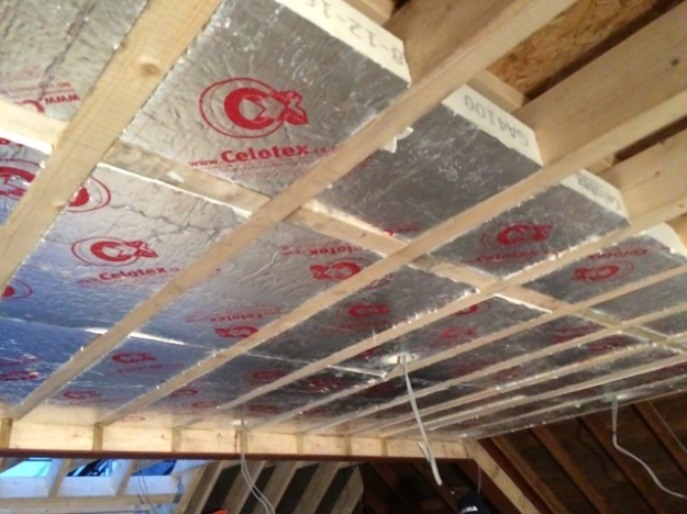 celotex-insulation-in-roof-of-new-bedroom
