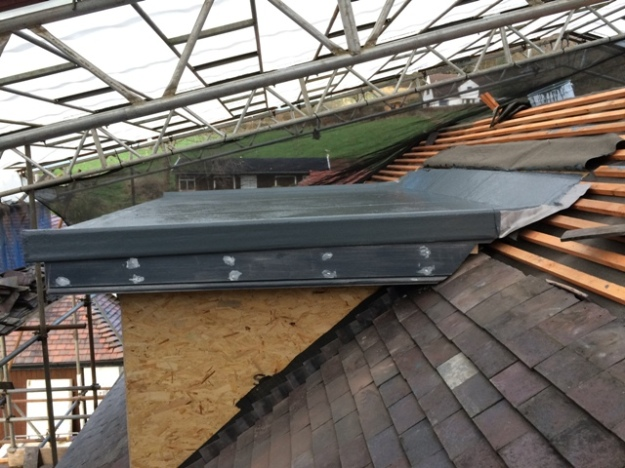 flat-roof-over-the-dormer