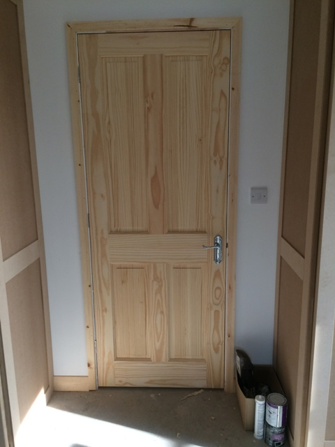 Bedroom door now with architrave
