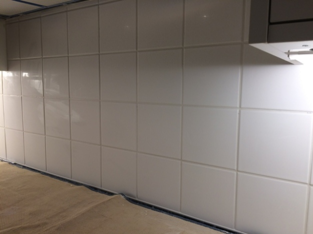 Tiles after the grouting in kitchen