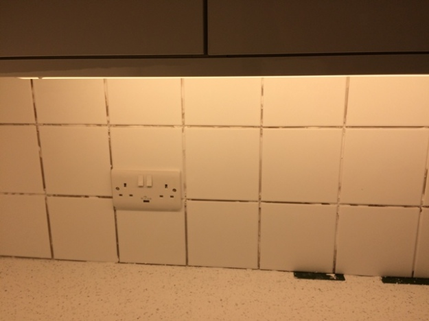 tiling in new kitchen pic 2