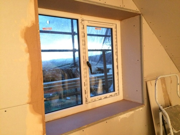 top-and-bottom-of-small-window-upstairs-skimmed-with-plaster