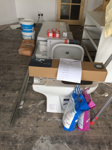 Bathroom suite - some items delivered